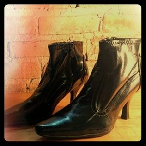 pointed toe gothic black Stevie Nicks ankle boots